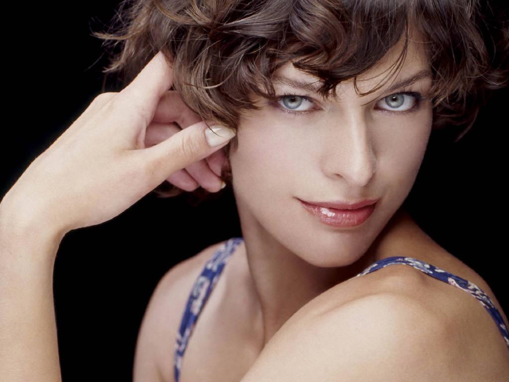 http://1.bp.blogspot.com/-dT9RN8EMBks/UQre5AnnFBI/AAAAAAAAr7w/SIF0oTWyAs8/s1600/Milla+Jovovich+%25281%2529.jpg