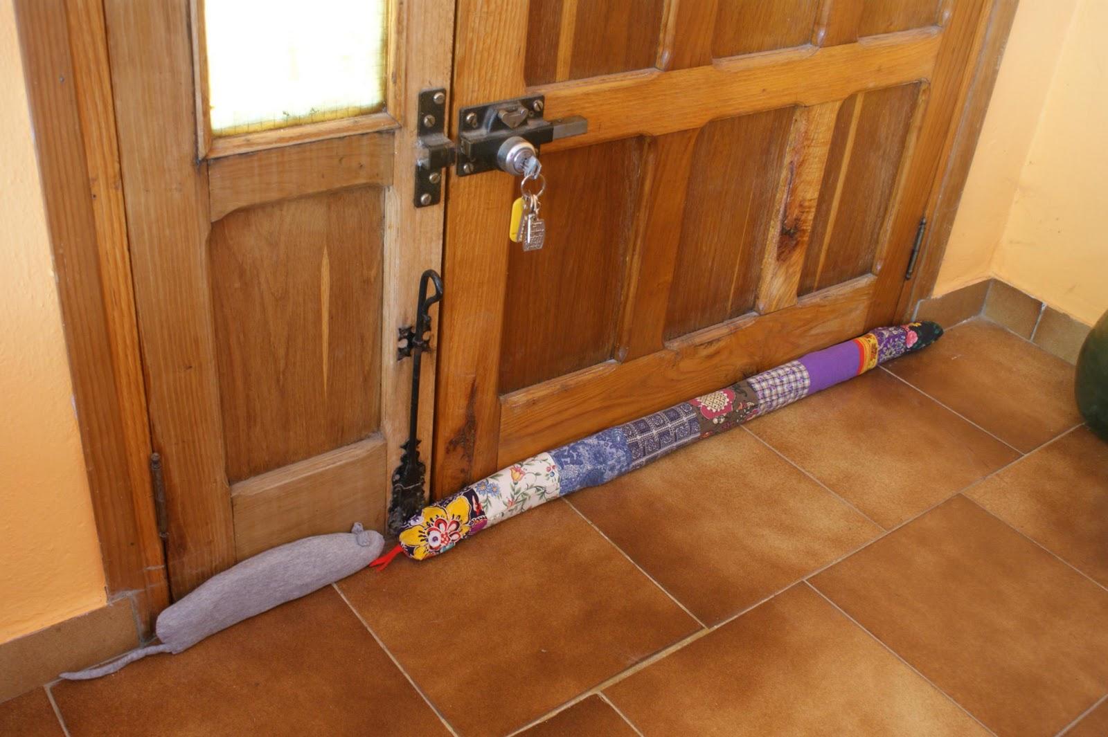 Regalos a mano serpiente quitafrio - Burlete puerta ...