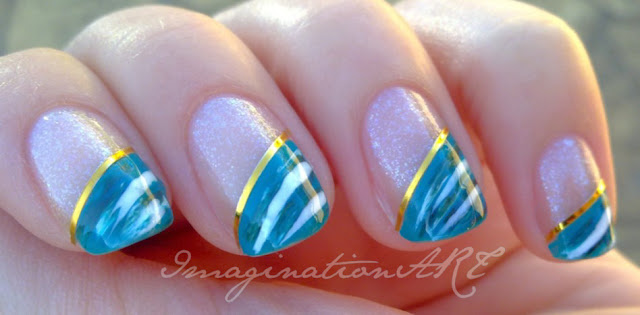 nail_art_semplice_simple_facile_easy_bella_beautiful_verde_green_glitter_stripes_strisce_dorate_gold