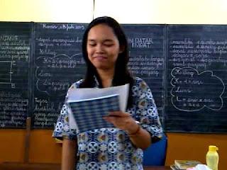 Buku Bina Komunikasi Persepsi  Bunyi dan  Irama - Buku Bahan Ajar Siswa SDLB-B Penerbit Indesain Semesta