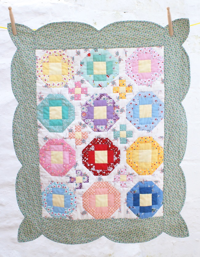 http://1.bp.blogspot.com/-dTZeYxrS62U/VQqZzUSQA_I/AAAAAAAAFEY/FcdWJDhr7f4/s1600/1930s_reproduction_baby_quilt_fabric_1.jpg