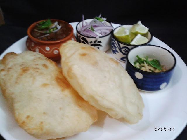 http://www.paakvidhi.com/2013/08/bhature.html