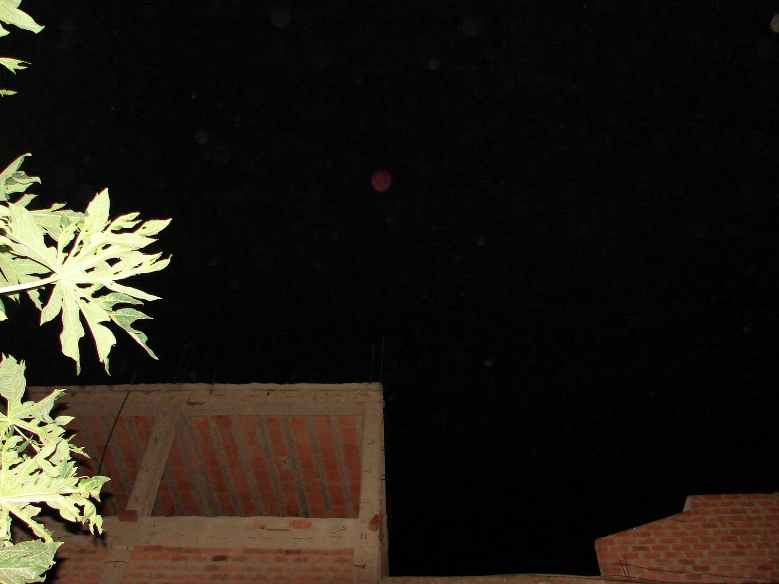 8-marzo-9-10-11-12-13...2011...espectacular sec Meteorito rojo Orbitandonos...sec,,ufo..