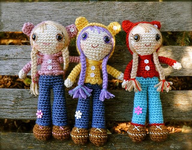 free crochet pattern doll in bear hoodie