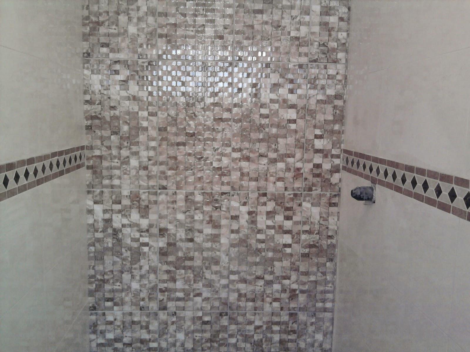 Colocação do lindo e resistente laminado e rodapés Durafloor em  #5C4E4D 1600x1200 Banheiro Com Azulejo Que Imita Pastilha