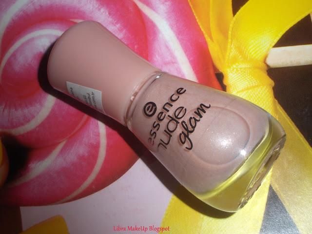 essence nude glam iced strawberry cream oje