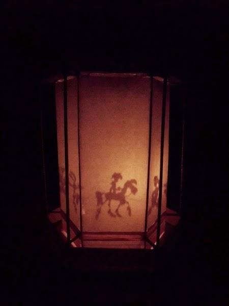 Đèn kéo quân xưa