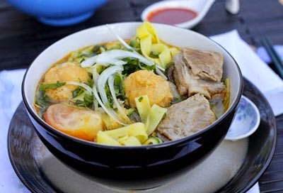Vietnamese Noodle Recipes - Mỳ Sườn Non và Cá Viên