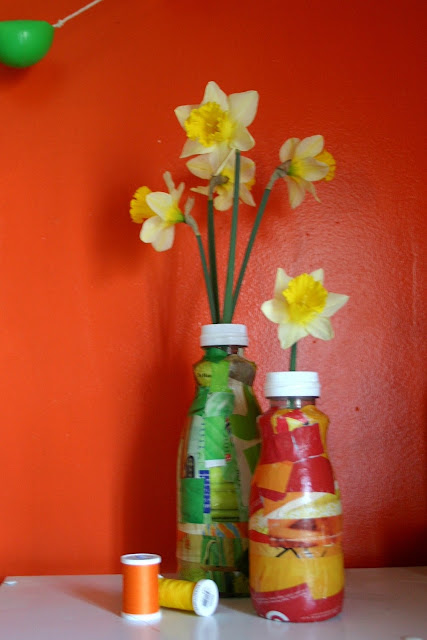 Diy mothers day gift repurposed flower vase for Plastic bottle vase craft