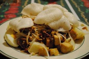 Makanan Khas Indonesia Menggunakan Bumbu Kacang - tahu tek
