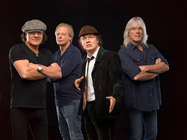 AC/DC Stade de France Rock Highway to Hell Rock or Bust Brian Johnson Angus Young Cliff Williams Stevie Young Malcolm Young Chris Slade Phil Rudd
