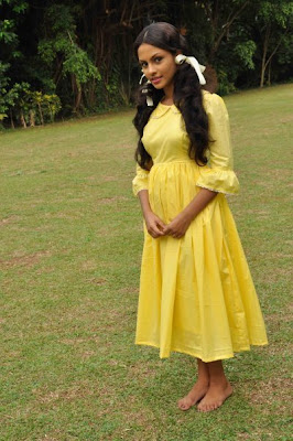 Shalini Tharaka hot pictures