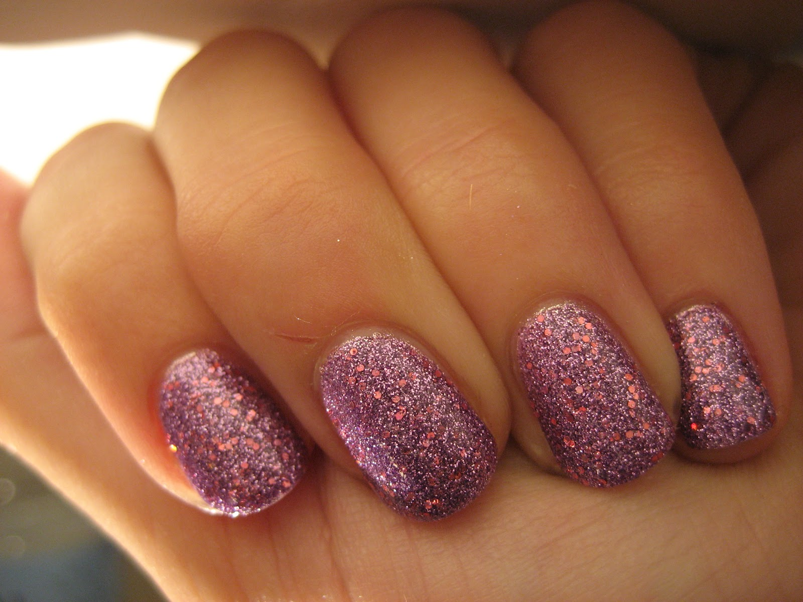 Nail & Polish: Pink Glitter Nails + My Ombre Hair!
