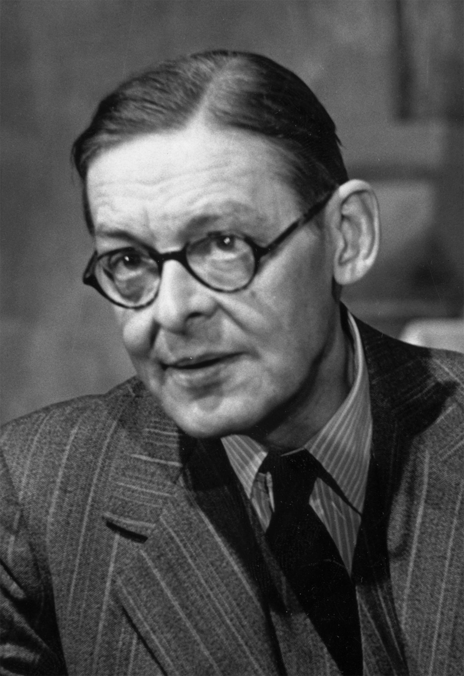 t s eliot as a critic Art never improves, but  the material of art is never quite the same ts (thomas stearns) eliot (1888-1965), anglo-american poet, critic repr.