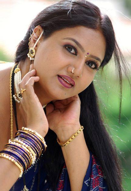 Raksha Aunty Hot Photos