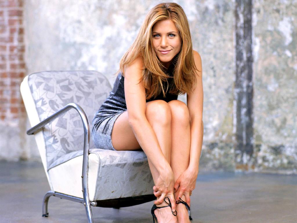 http://1.bp.blogspot.com/-dUyDcKVOXzM/TacxKHAF2KI/AAAAAAAACDE/wApDTbhkZgc/s1600/Jennifer+Aniston+%25283%2529.JPG