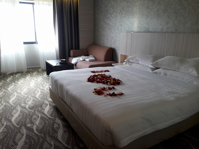http://normj1001.blogspot.my/2016/01/6th-anniversary-copthorne-hotel-cameron.html