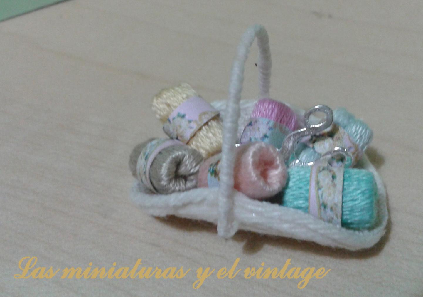 Las miniaturas y el vintage cesta de costura - Cesta de costura ...