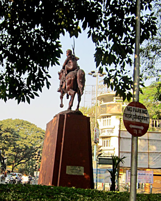 statue of Rani Laxmibai in Pune