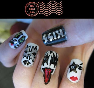 kiss nail polish new year wallpaper