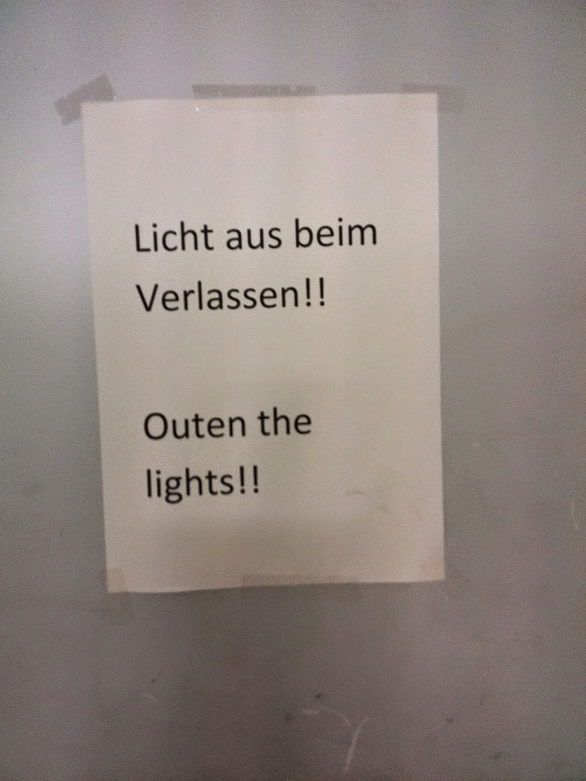 German to English mistranslation: outen the lights!