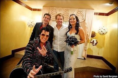 Jon Bon Jovi com Elvis Presley, uma fã e o pai dela