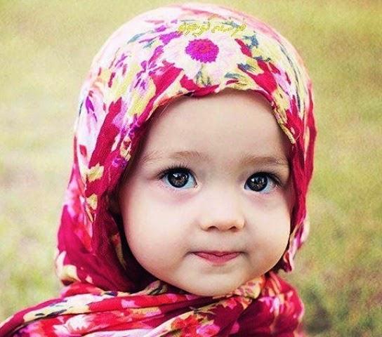 Gambar Anak Kecil Lucu Berkerudung