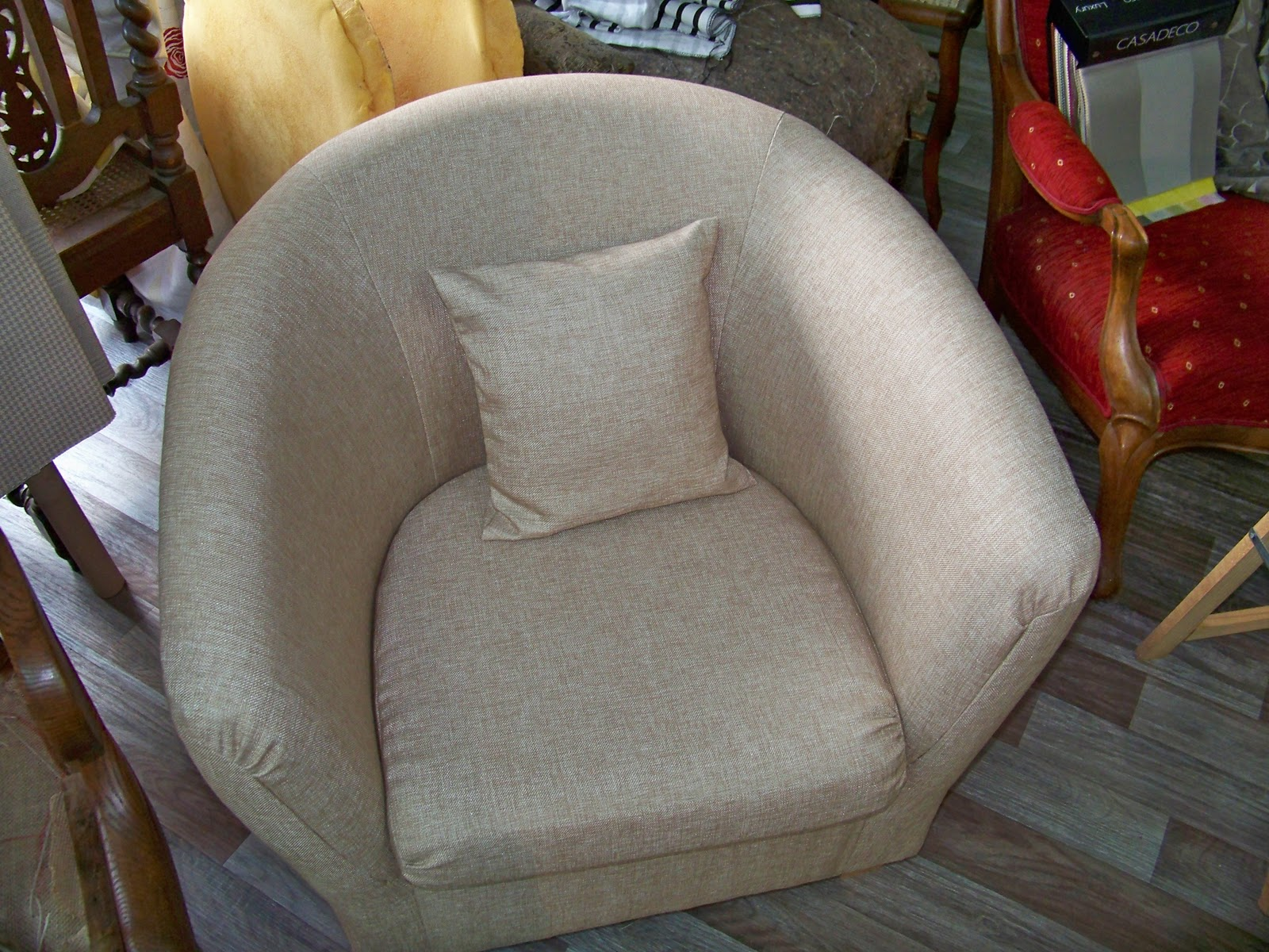 tapissier decorateur housse de fauteuil. Black Bedroom Furniture Sets. Home Design Ideas