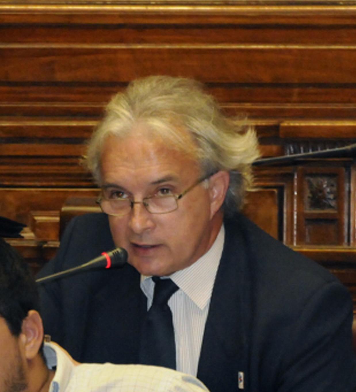 Senador Rubén Martínez Huelmo