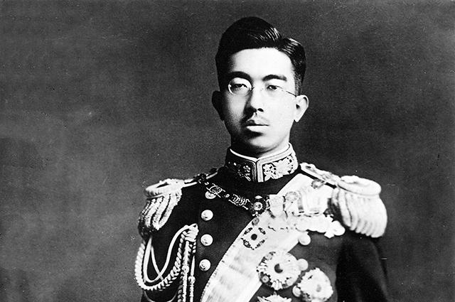 Резултат с изображение за корейският император предава властта над Корея на японския император.