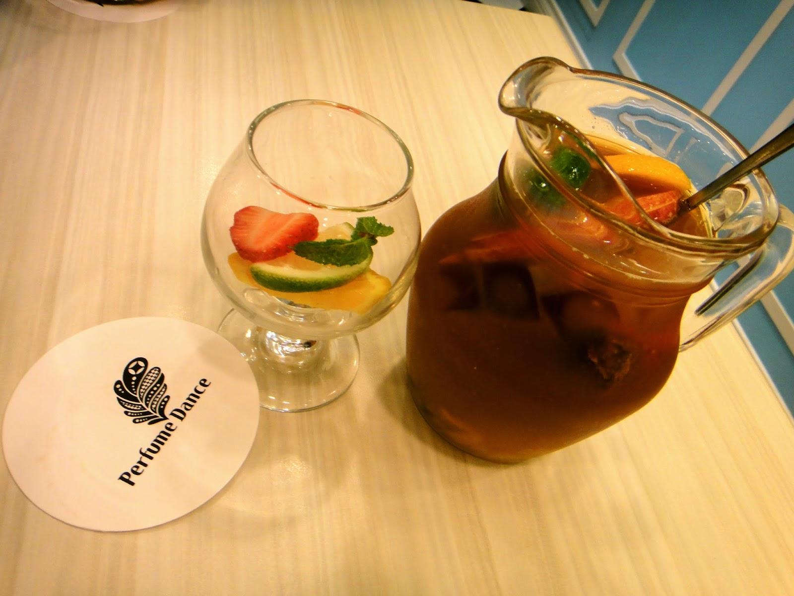 Fruit Tea Perfume Dance Cafe Taipei
