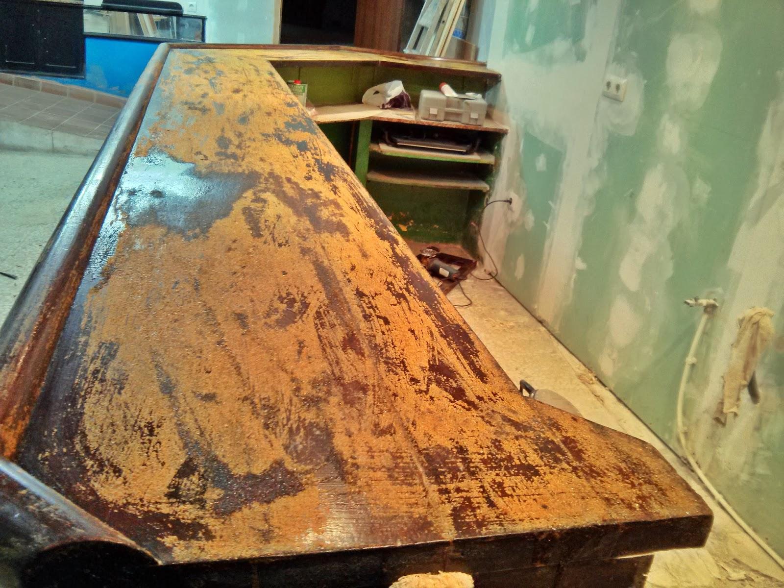 Restaurar barra de bar antigua o deteriorada Bricolaje