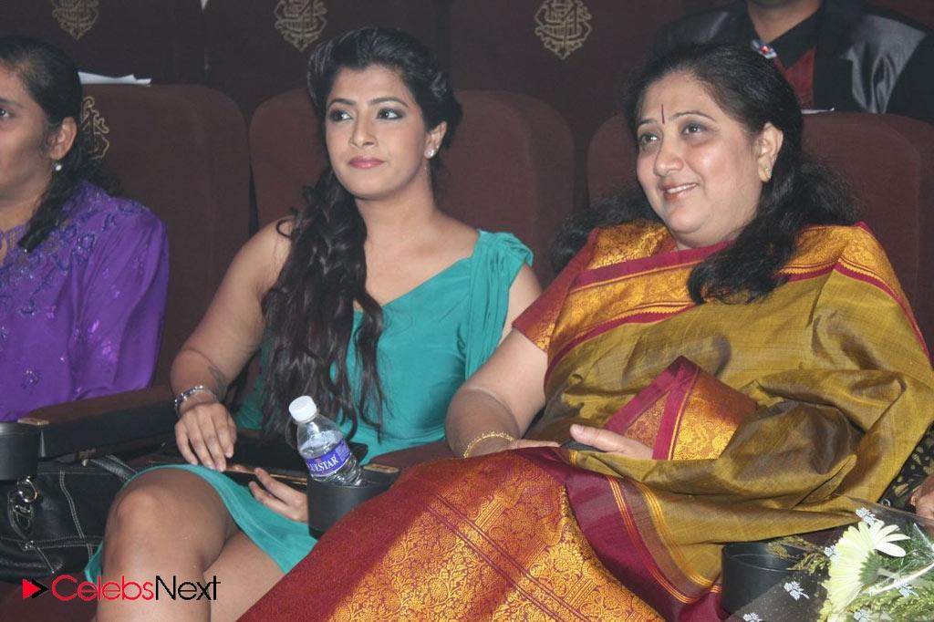 Varalakshmi Sarathkumar Photos in One Shoulder Mini Dress at Edison ...
