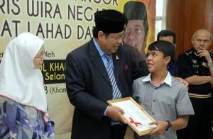 Menteri Besar Selangor, Tan Sri Khalid Ibrahim.