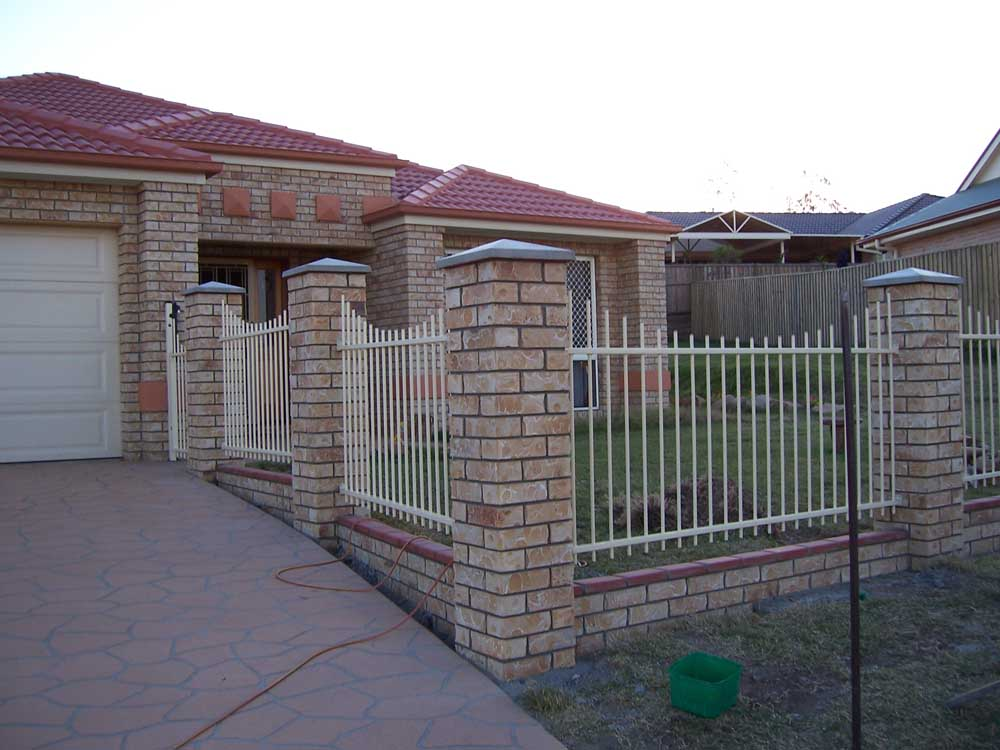 Brick wall fence design 2017 2018 best cars reviews for Brick designs