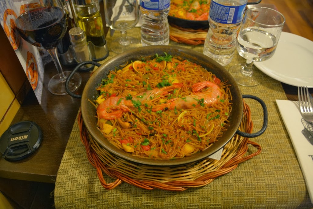 Restaurant Tapas Gaudi Barcelona Fideua