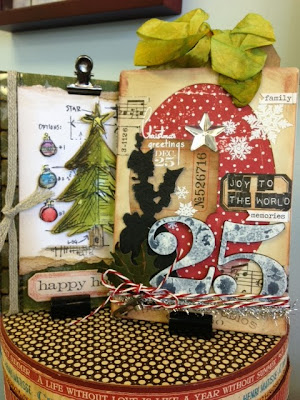 Scrapdoodles tim holtz christmas cards for Tim holtz craft mat