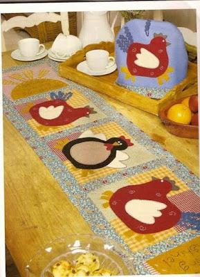 trilho-de-mesa - patchwork - galinha - PAP (diy) com molde