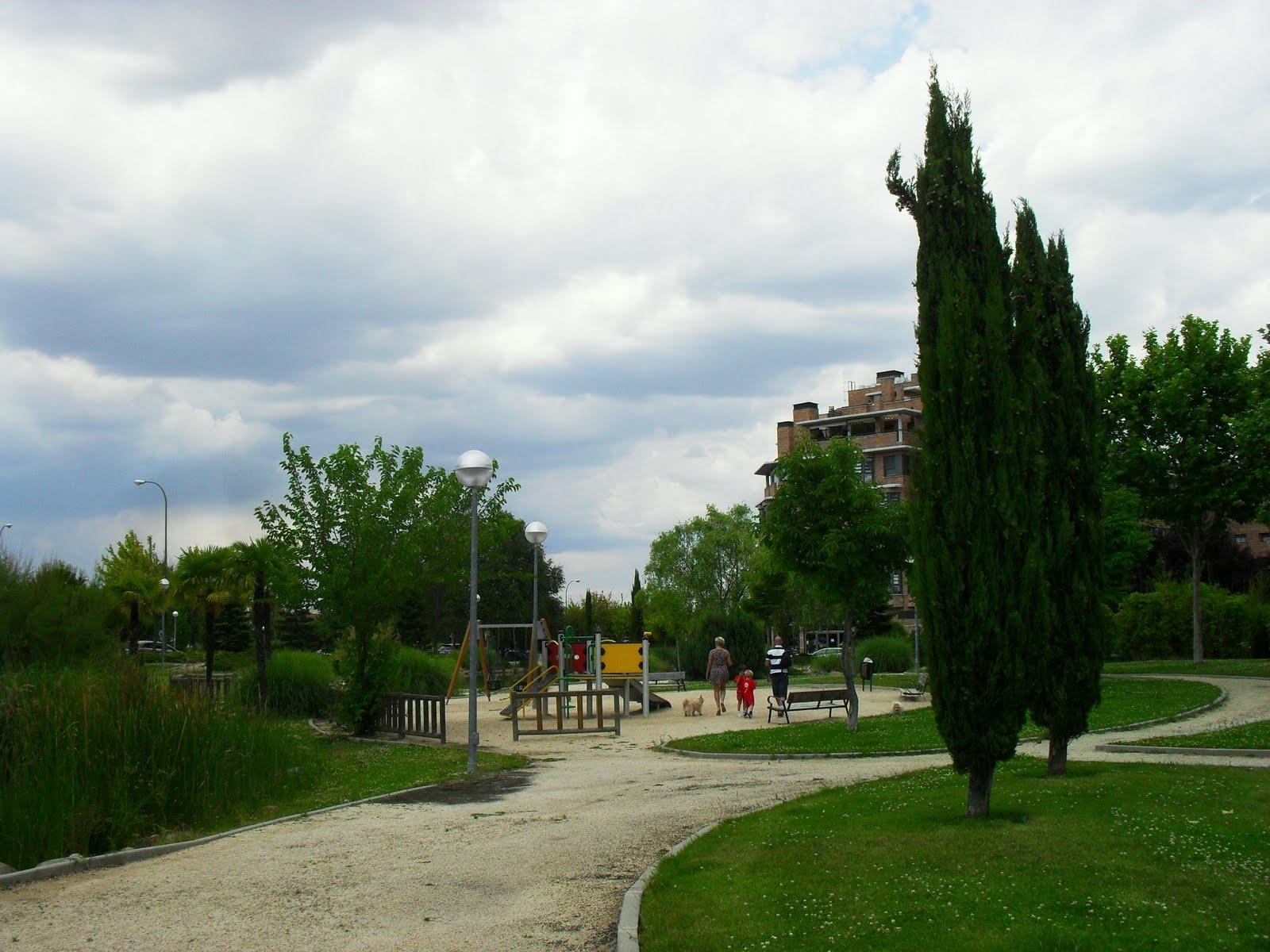Arte y jardiner a perfecto uso de la curva en dise o - Paisajistas en madrid ...