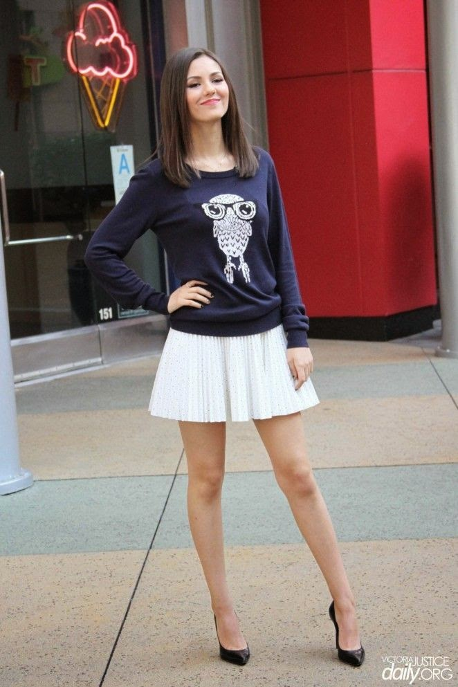 Yap, Victoria Justice strutted her stuff to Universal Studios in Hollywood, USA on Wednesday, January 7, 2015.