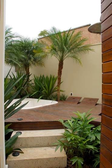 deck em jardim pequeno : deck em jardim pequeno:Carla Romanelli: Áreas de Lazer – Piscinas em casa