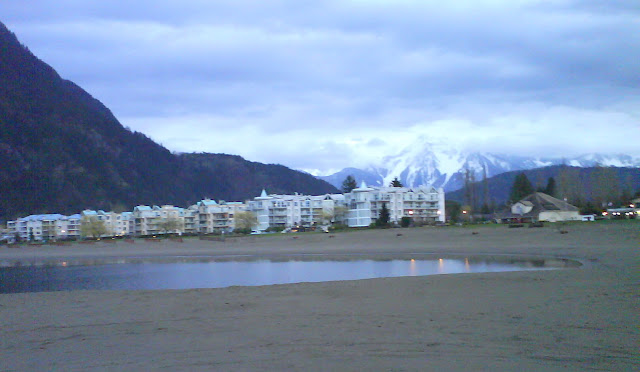 Harrison Hot Springs in the evening grayish light