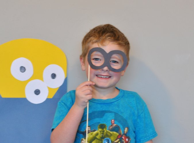 minion goggles photobooth prop