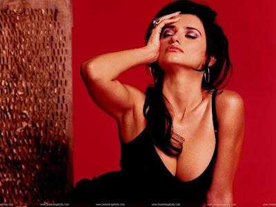 Hollywood Actress Penelope Cruz Wallpaper