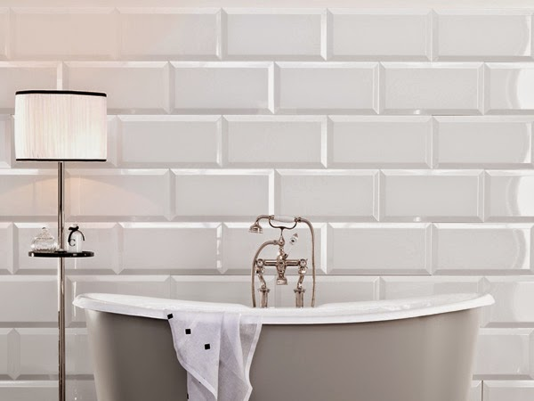 Piastrelle bagno texture bianche affordable nuovo offerta for Piastrelle bagno bianche lucide