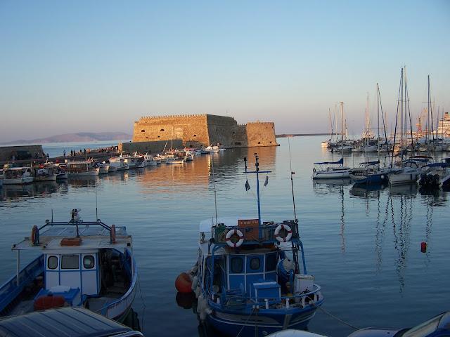 Venedik Limanı, mendirek ve Kules; Heraklion
