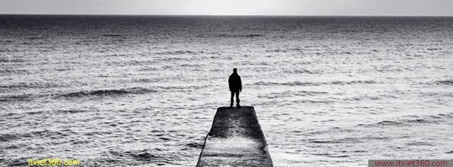 Ảnh bìa Facebook cô đơn, buồn - Alone Cover timeline FB, boy đứng trước biển