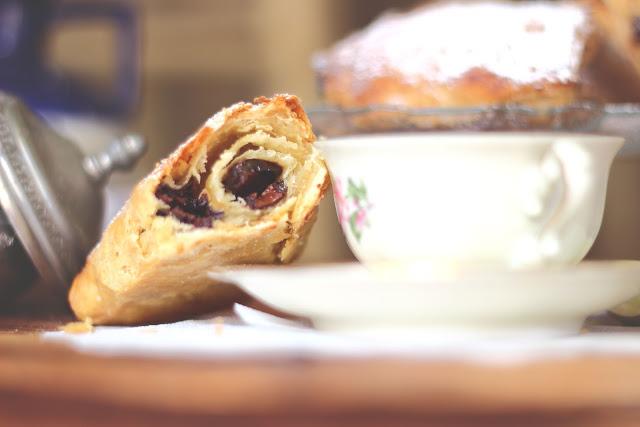La sfoglia velocissima senza zucchero senza lievito dei pain au chocolat