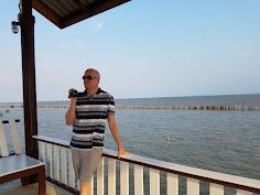 Long Walk, Long Pier
