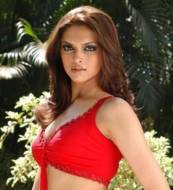Hot Deepika Padukone Pictures